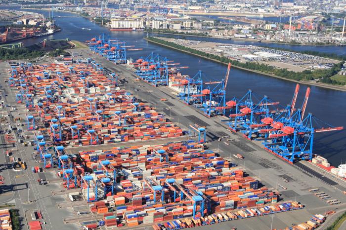 Maersk и MSC временно отменяют судозаходы в Гамбург