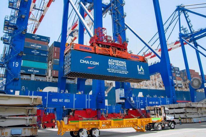Порт Лос-Анджелеса за год обработал 10 млн TEU