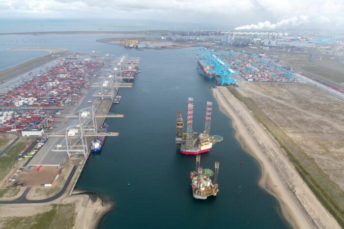 Maersk и MSC на семь недель отменяют судозаходы в Роттердам