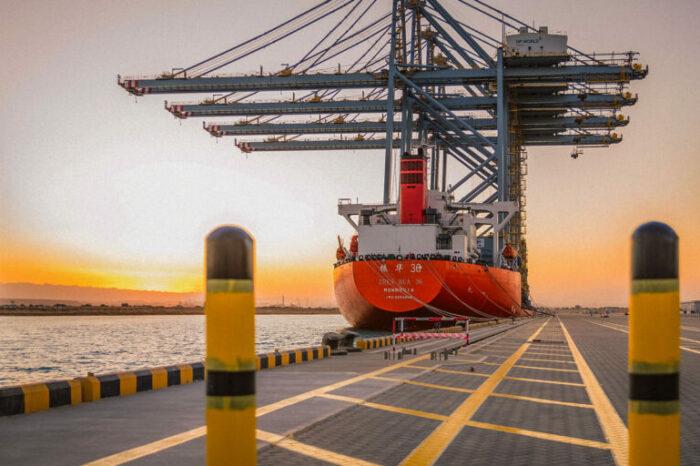 Египет пригласил Украину инвестировать в экономическую зону Суэцкого канала