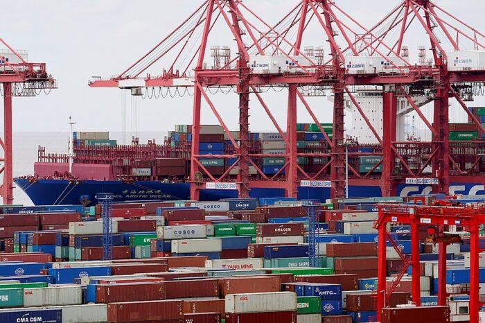 Китайский порт Янтьян возобновляет работу