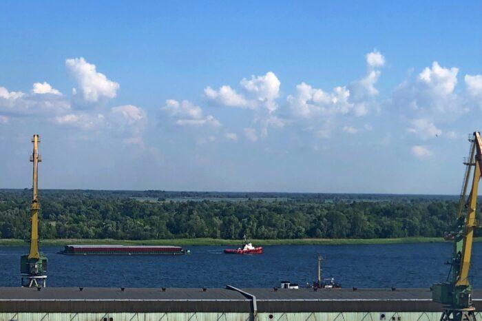 Впервые белорусские баржи с металлопродукцией пришли в Одессу (ФОТО)
