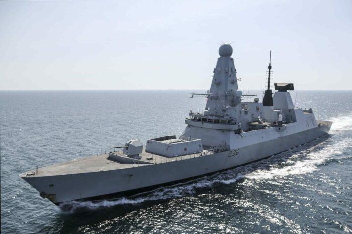 Секретные документы с эсминца Defender действительно были утеряны, – СМИ