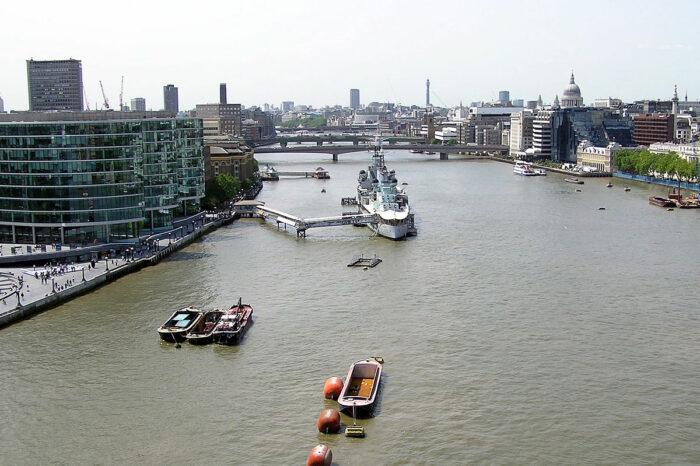Великобритания обещает декарбонизировать свой внутренний водный транспорт к 2050 году