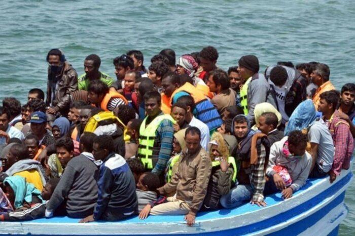 В Средиземном море у берегов Турции затонула лодка с 45 нелегалами