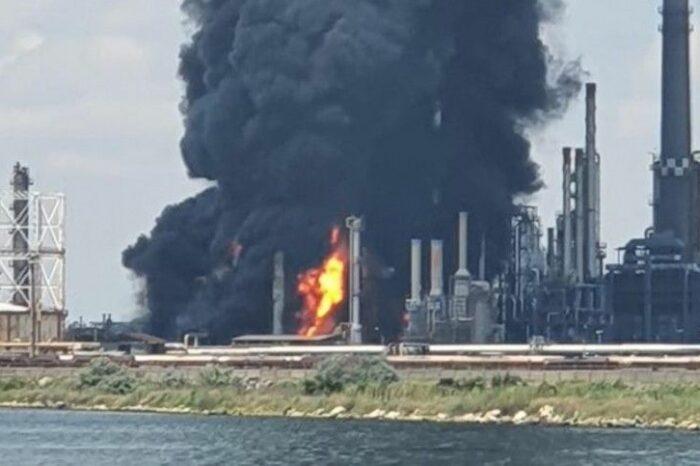 Вблизи порта Констанца взорвался крупнейший НПЗ страны