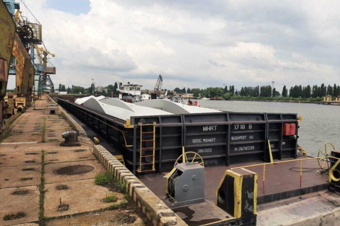 В порту Рени началась перевалка оборудования для ВЭС (ФОТО)