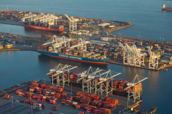 Байден хочет урегулировать цены на контейнерные перевозки