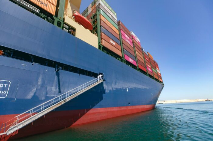 Продажи подержанных контейнеровозов выросли в два раза