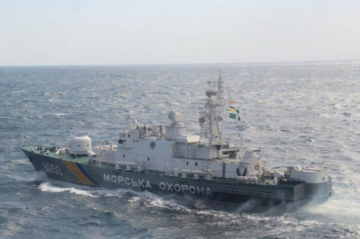 В Черном море спасли дрейфующее рыболовное судно