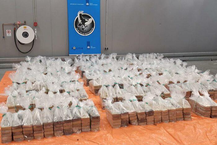 Партию кокаина на 132 млн евро обнаружили в порту Роттердам