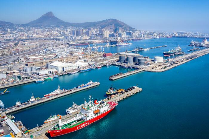 Форс-мажор из-за кибератаки объявили в портах ЮАР