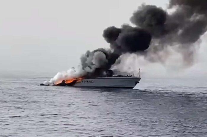 Мигранты сожгли катер береговой охраны Италии? (ВИДЕО)