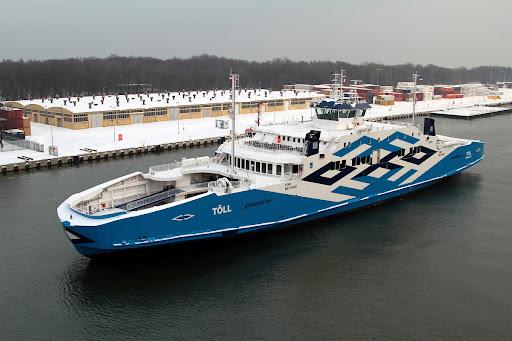 В Эстонии паром с президентом на борту врезался в причал