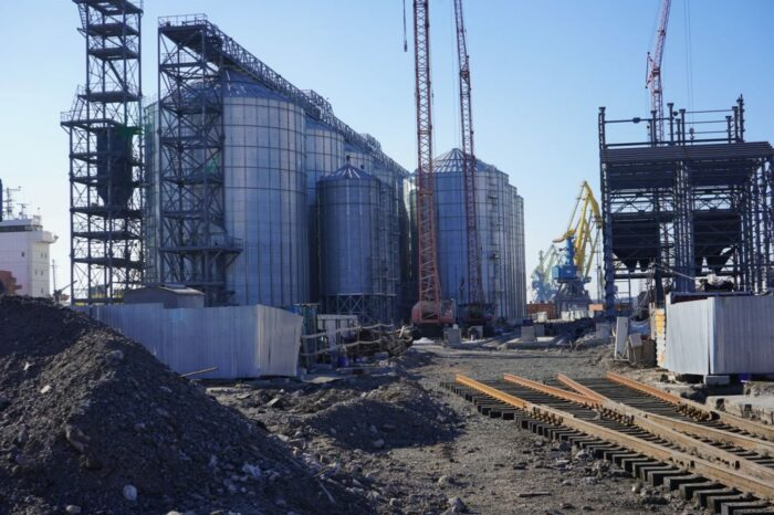 Мариупольский порт ищет инвесторов для зернового терминала