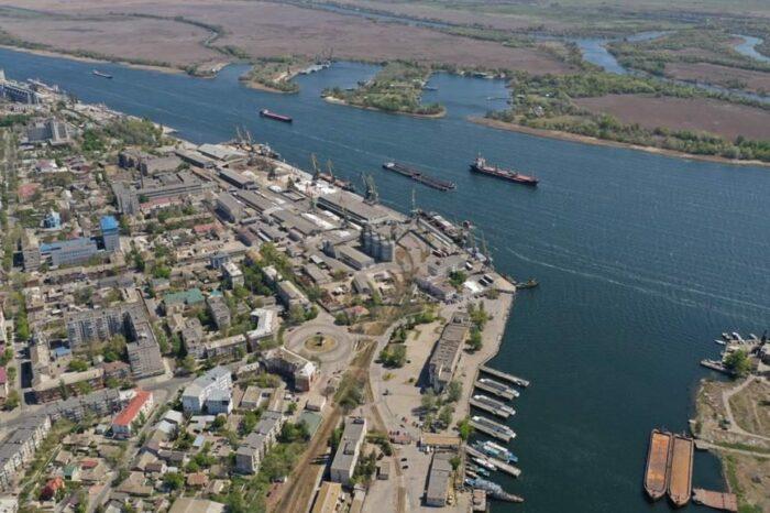 В Херсонском порту на судне нашли оружие (ФОТО)