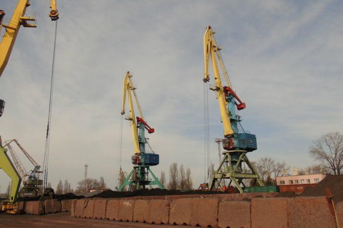 Измаильский порт на 40% перевыполнил план грузоперевалки