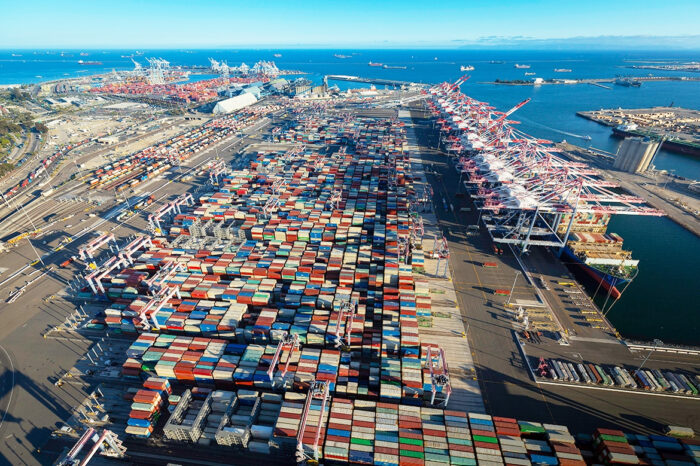 В США заработал полностью электрифицированный «зеленый» контейнерный терминал