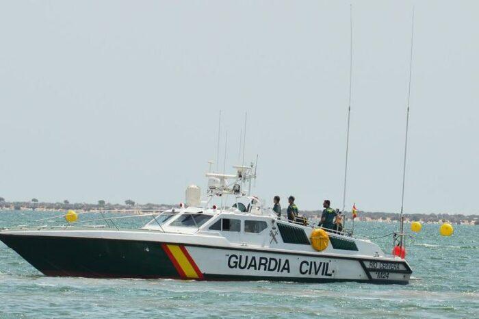 В Испании катер контрабандистов вылетел на пляж