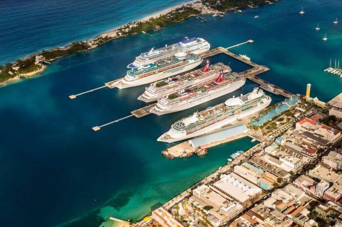 Багамские острова не будут принимать круизники с непривитыми пассажирами