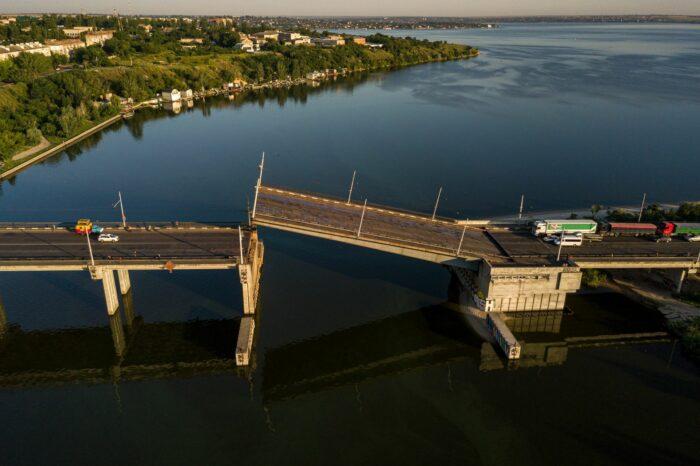В Украине отменили плату за развод мостов при прохождении судна