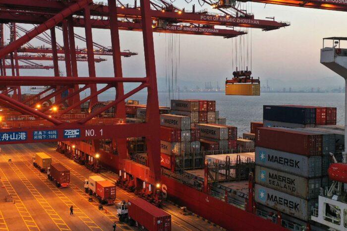 Контейнерный терминал в порту Нинбо откроют не раньше сентября