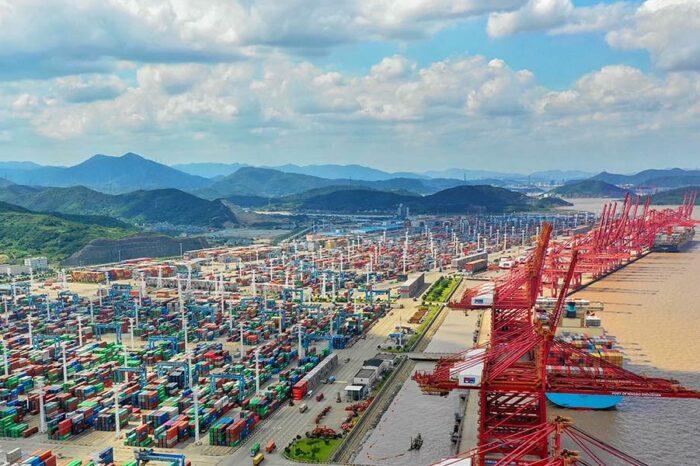 Терминал в крупнейшем порту Китая вновь заработал