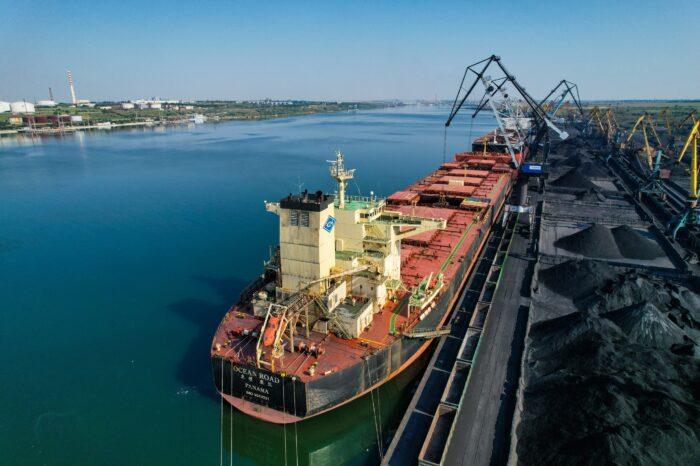 Порт Южный за семь месяцев перевалил 9 млн тонн грузов