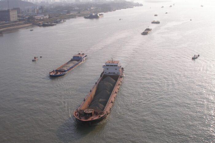 Очередь из балкеров растет во всех ключевых портах мира