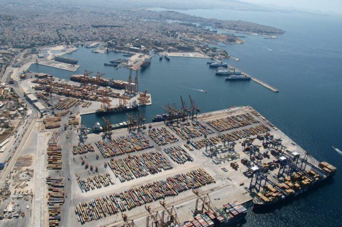 COSCO увеличит долю акций в порту Пирей до 67%