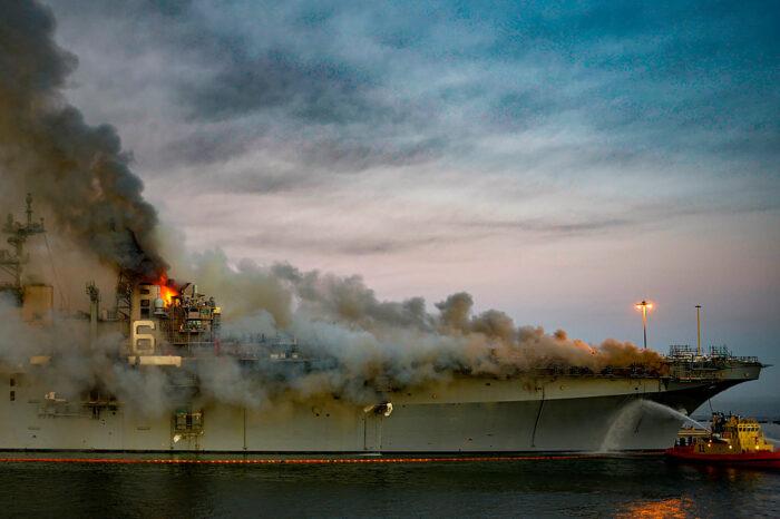 Поджог корабля Bonhomme Richard: в США арестовали подозреваемого