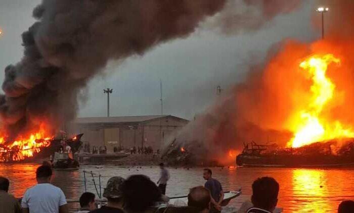 В иранском порту сгорели суда с грузом