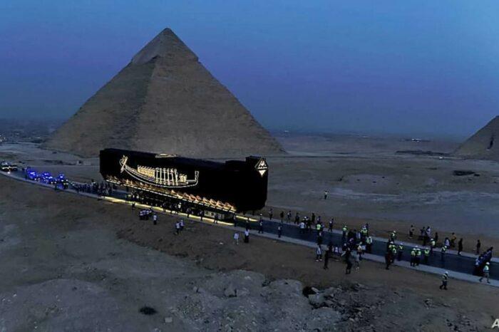 Самую старую лодку в мире выставят в Большом Египетском музее