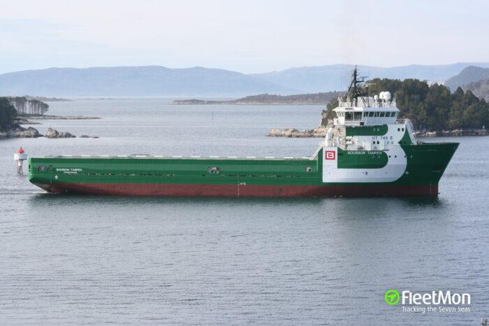 У берегов Габона вооруженные пираты атаковали судно, есть жертвы