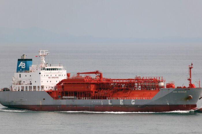 Одесский порт принял танкер с 5 тыс. тонн СУГ