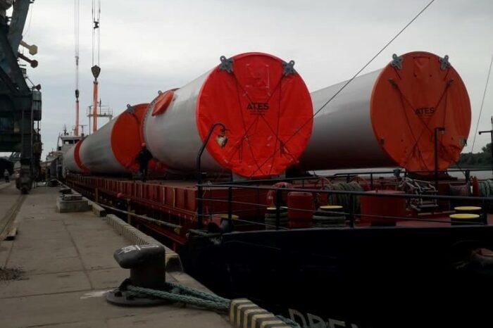 В порт Рени прибыло оборудование для Днестровской ВЭС