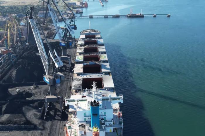 Кейпсайзы, рекорды, перевалка: в порту Пивденный «догоняют» прошлогодние результаты