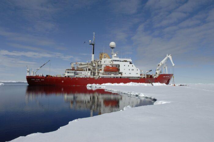 Обслуживание ледокола James Clark Ross будет дороже, чем его стоимость