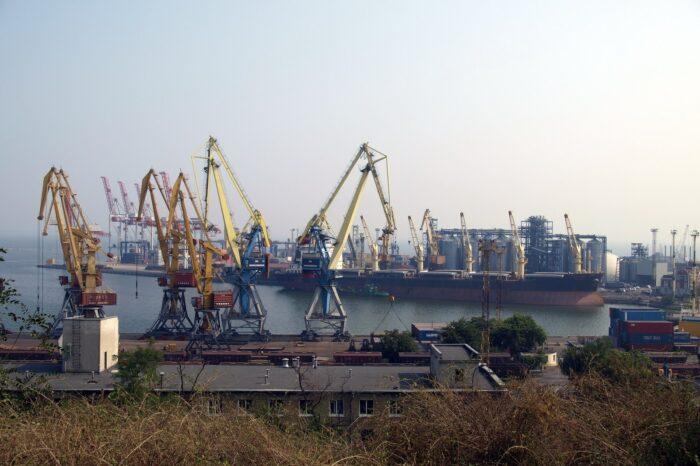 Одесский порт завтра обесточат