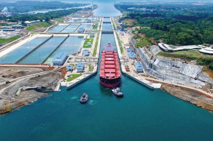 Панамский канал меняет систему сборов за проход для круизных судов
