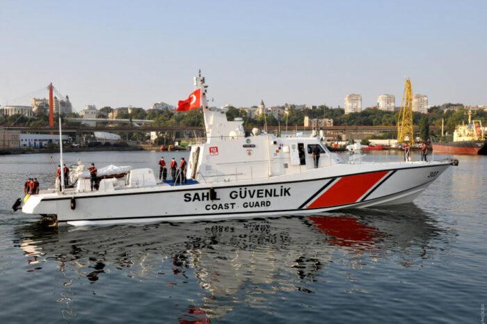 В Одесский порт прибыл катер турецкой береговой охраны (ФОТО)