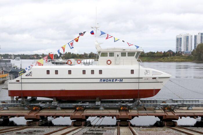 Первое в России беспилотное научное судно спустили на воду