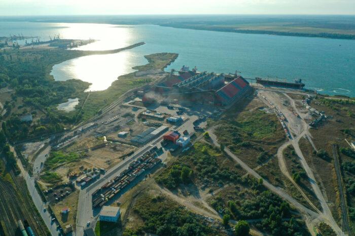 Терминал ЕВТ в порту Ольвия перевалил млн тонн зерна с начала сезона