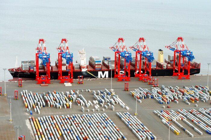 Hapag-Lloyd покупает долю в немецком контейнерном терминале