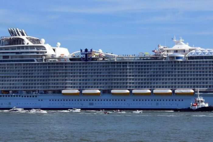 Royal Caribbean провела ходовые испытания  крупнейшего в мире круизного лайнера