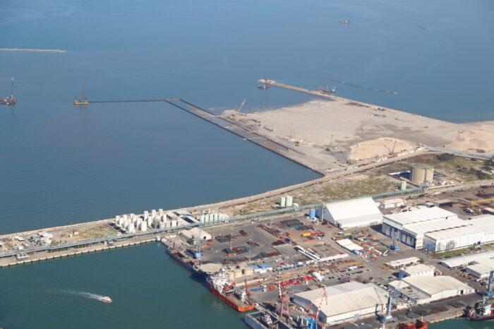 Видео дня: Китай запустил контейнерный терминал в порту Хайфы