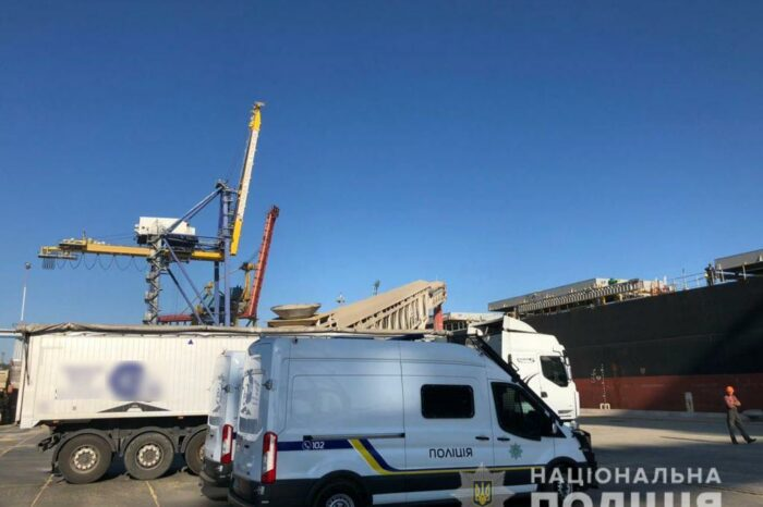 Полиция в порту Черноморска задержала груз зерна на 7 млн долларов