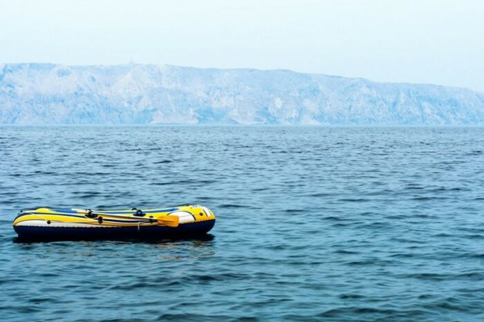 История спасения: двое мужчин почти месяц провели в открытом море