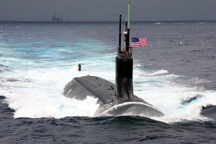 Атомная подлодка ВМС США столкнулась с неизвестным объектом