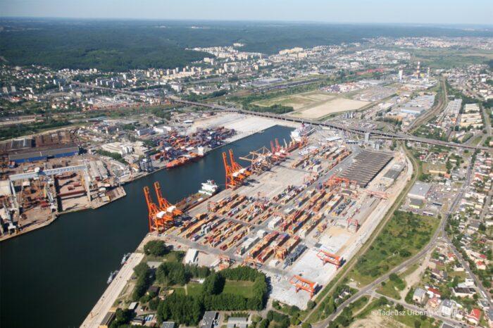 Китай может получить контроль над польским портом
